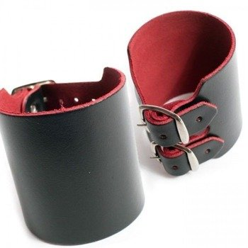 pieszczocha GŁADKA czarno-czerwona 6,2 cm