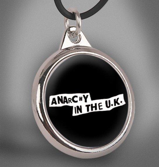 wisior ANARCHY IN THE U.K.